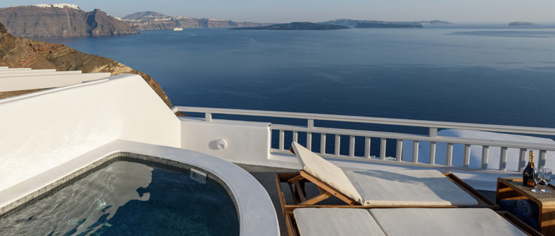 One Bedroom Villa with Outdoor Hot Tub in Oia