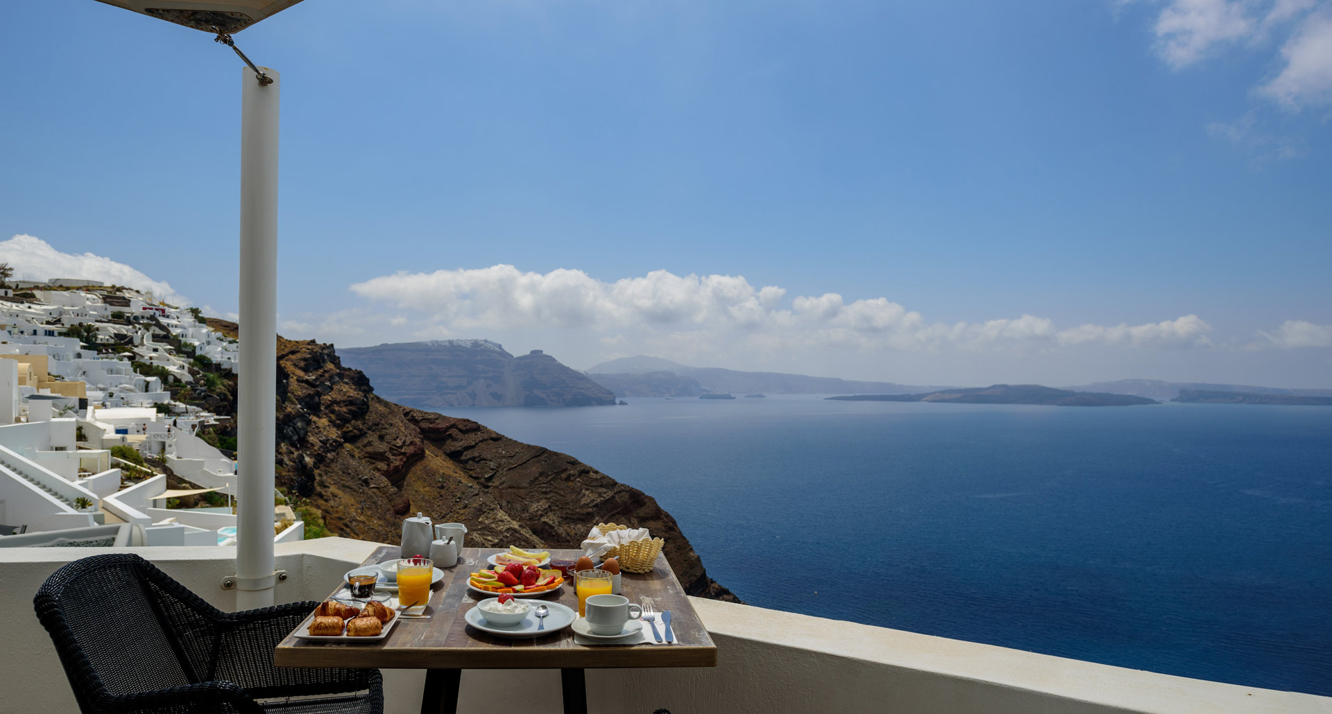 Sea View Studios in Oia Santorini
