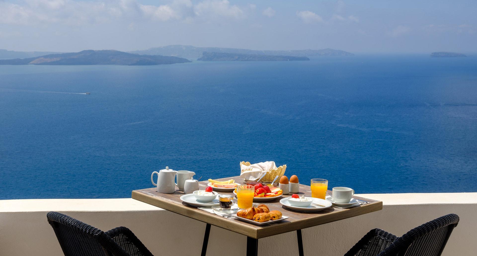 Santorini Hotels - Oia Santorini Apartments, Studios